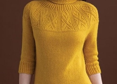 Пуловер спицами с красивой круглой кокеткой для теплых осенних вечеров