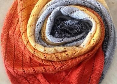 Норвежский треугольный шарф бактус спицами