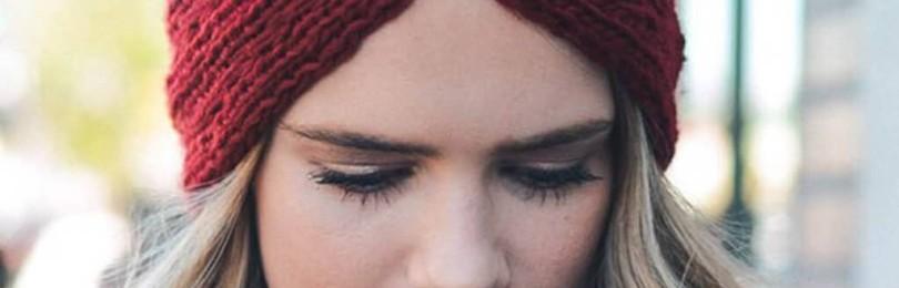Самая простая повязка на голову спицами: справится даже новичок