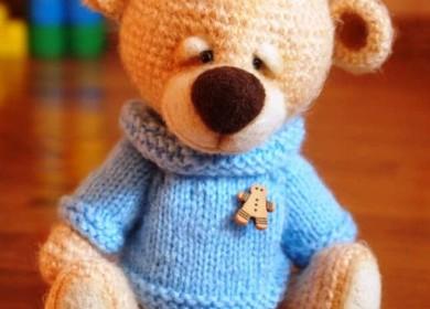Вязаный свитер для текстильной игрушки спицами