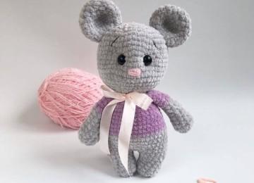 Плюшевый мышонок: вяжем крючком символ 2020 года