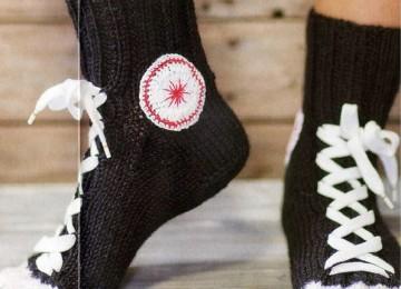 Вязаные необычные мужские носки с описанием и видео мастер-классом