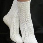 Вяжем спицами шерстяные носки со схемами с описанием