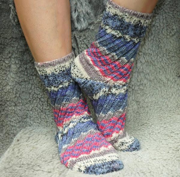 спиральные носки спицами