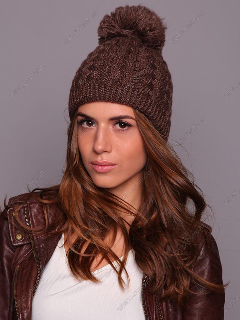 спицами женская шапка