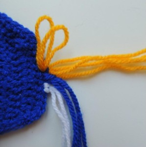 шапка миньон 10