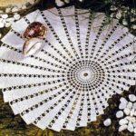 Вязаные крючком простые и красивые салфетки скатерти – 10 вариантов