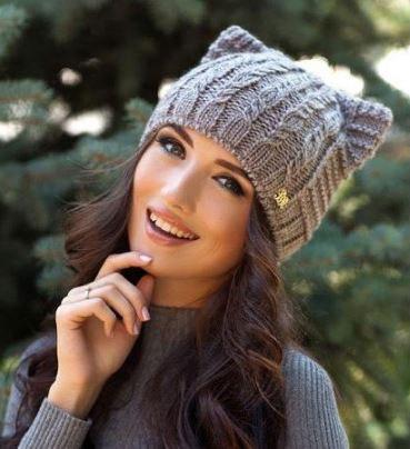 шапка спицами с косами схема описание фото видео 19 моделей