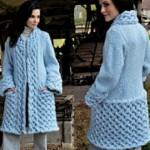 19 вариантов пальто вязаных спицами со схемами, описанием и видео мк