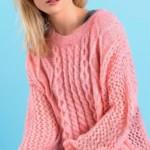 17 моделей женских молодежных джемперов вязаных спицами с фото, схемами, описанием и видео МК