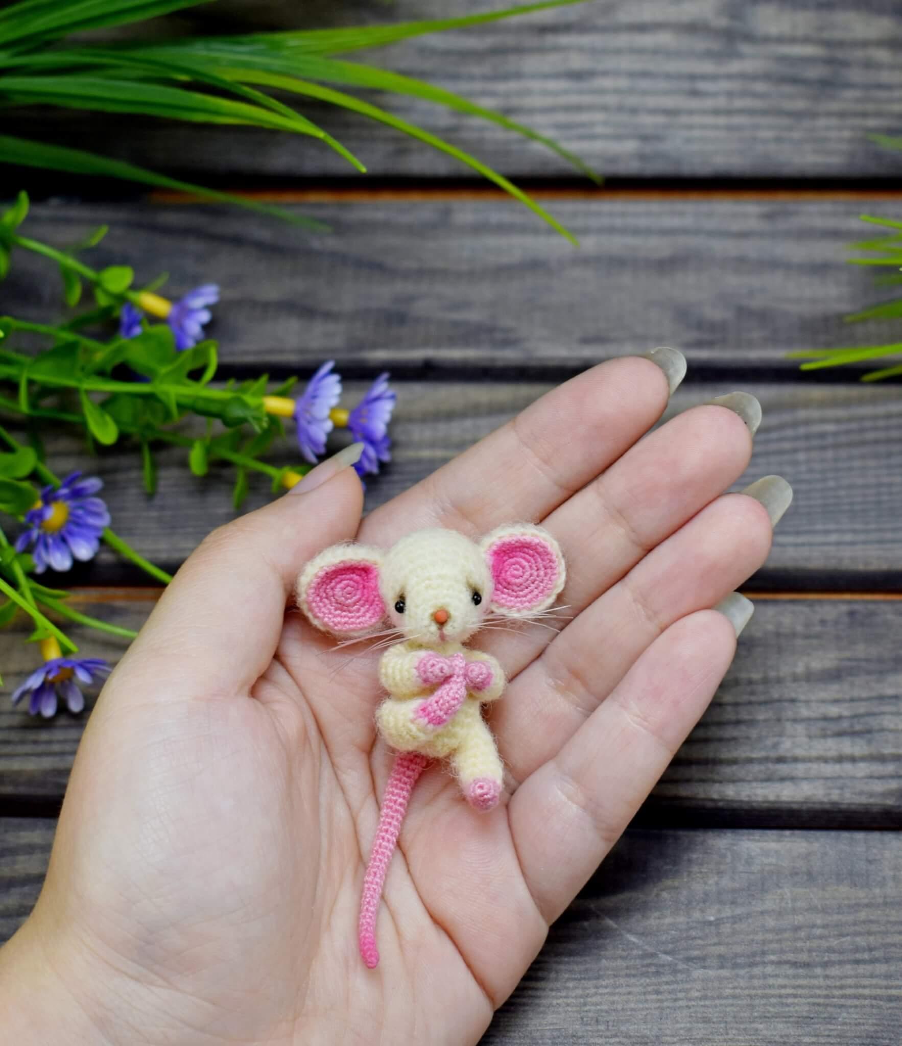 7 вариантов крысок и мышек вязаных крючком