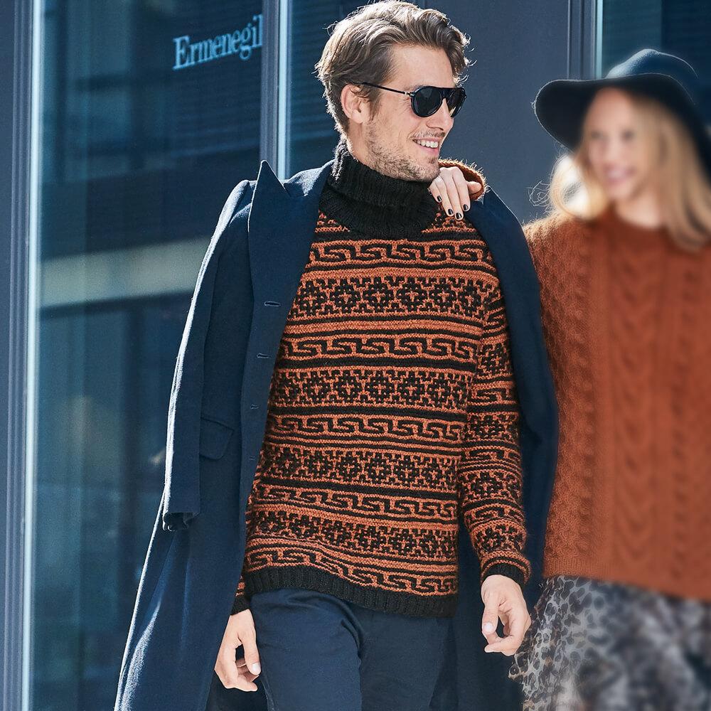 2 модели мужского свитера с воротником связанных спицами
