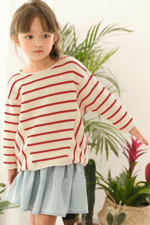 Детский пуловер в полоску спицами – 2 варианта выполнения