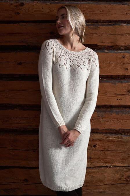 Платье с круглой ажурной кокеткой