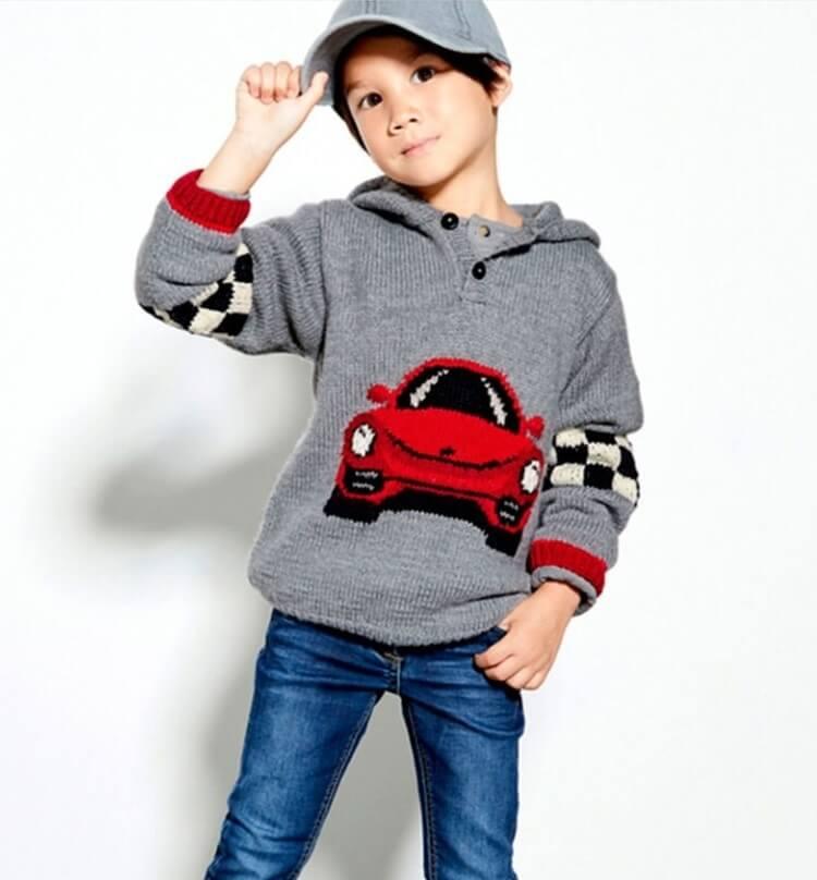 Пуловер с машинкой спицами